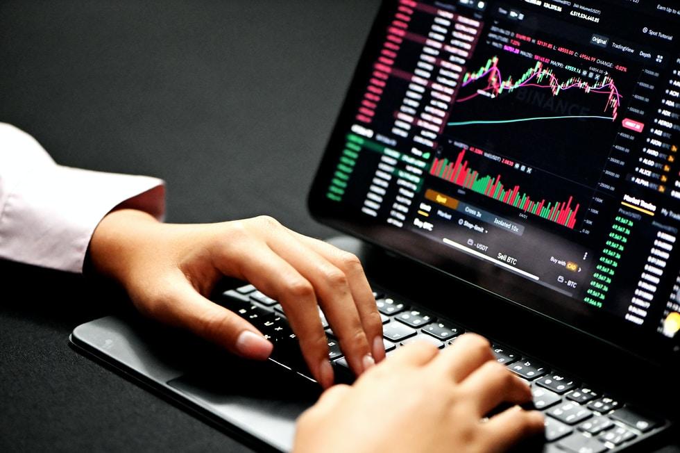 News: Poly Hack, PayPal, Binance, Coinbase and Messi