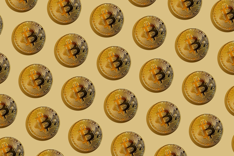 yellow and brown round button lot